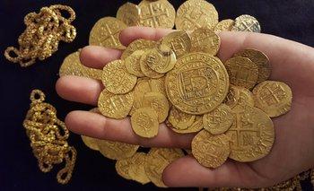 Monedas de oro recuperadas de un naufragio español del siglo XVIII, Florida, EEUU