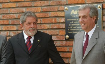 Lula y Vázquez acudieron a la inauguración de la planta en Paysandú, en 2005<br>