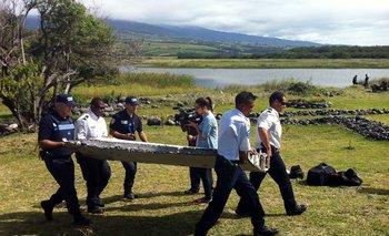 Los restos del avión fueron hallados la semana pasada en la isla Reunión