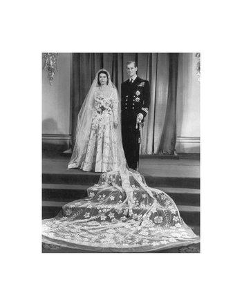 <p>En 1947 contrajo matrimonio con el príncipe Felipe de Grecia y Dinamarca.</p><p></p>