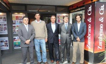 Integrantes del banco, de la SCAU, del escritorio y de ARU en la Expo Prado