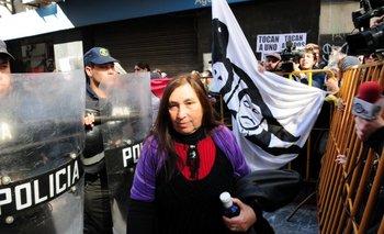 Concentración afuera del Juzgado penal donde se procesó con prisión a los radicales acusados de causar disturbios en la SCJ Suprema Corte, en febrero de 2013.