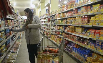 Comercios de frontera se ven afectados por las diferencias de precio.  L. Nuñez