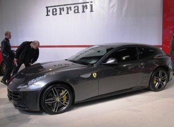 El Automóvil Ferrari FF, uno de los modelos que serán subastados próximamente<br>