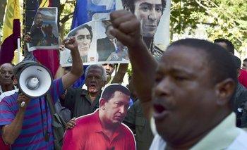 Chavistas protestaron en Caracas por el retiro de las imágenes de Hugo Chávez de la Asamblea Nacional