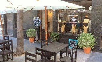 Fachada del restaurant ubicado sobre la peatonal Sarandí