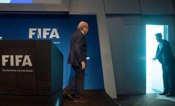 Blatter tras anunciar su renuncia