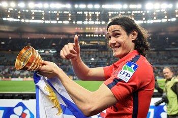 Cavani, dos goles y otro título en París
