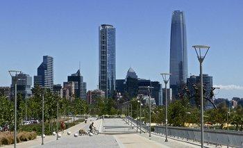 Para bajar el crimen: buen alumbrado público y espacios verdes cuidados (Parque Bicentenario, Chile)
