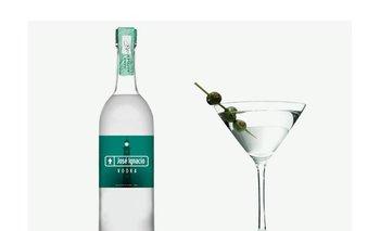 El envase del vodka José Ignacio se importa desde Estados Unidos