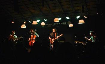 La cantante brasileña María Gadú en el Festival Medio y Medio 2016