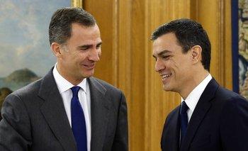 <p>El rey de España, Felipe, con el líder del Partido Socialista Obrero Español, Pedro Sánchez</p>  <p><br></p><p></p>