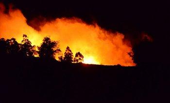El incendio tuvo cinco focos, según medios locales