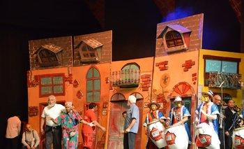 Un sector de la escenografía expuesta por Integración en el concurso del Teatro de Verano.<br>