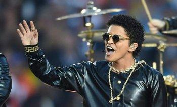 Bruno Mars en vivo durante el show del entretiempo del Superbowl, el pasado 7 de febrero