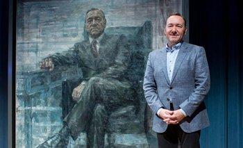 <p>El personaje de Kevin Spacey, Kevin Underwood, está inmortalizado en un cuadro</p>