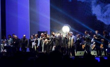 El momento de todos los músicos sobre el escenario