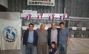 Eduardo Fernández, Dardo Dutra, Daniel Martínez, José Luis Techeira y el nieto del intendente.<br>