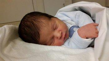 Valentino nació por cesárea y pesó 3.200