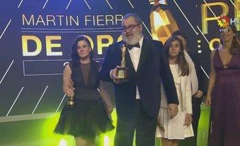 Jorge Lanata, al momento de ganar su Martín Fierro de oro. En total, se llevó tres premios