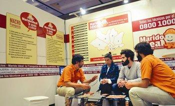 Consultas en uno de los stands de la última edición de la Feria Internacional de Franquicias de Uruguay<br>