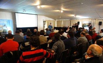 Unos 120 productores y técnicos participaron en el Seminario de Syngenta, realizado en Nueva Helvecia