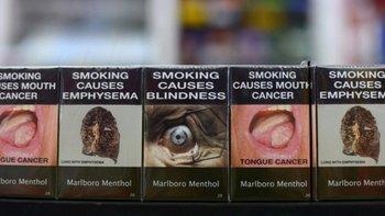 Cajillas de cigarrillos planas, sin distintivo de marca, a la venta en Australia