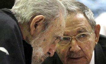 Los hermanos Fidel Castro y Raúl Castro