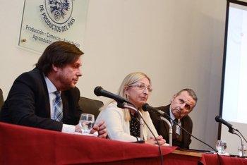 Jorge Fernández Reyes, Alicia Ferrer y Roque Molla, durante la jornada realizada en la CMPP