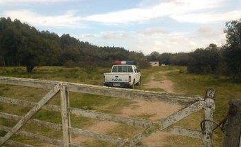 La policía realiza allanamientos en una casa que era del ciudadano alemán en Parador Tajes, a cinco kilómetros de Cerrillos