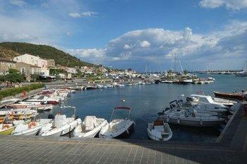 El pequeño puerto de Acciaroli