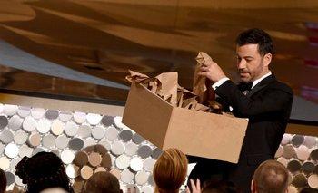 Jimmy Kimmel entregando sándwiches de manteca de maní