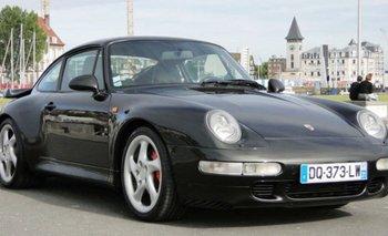 Un automóvil Porsche 993 Turbo del año 1997, valuando en entre € 180.000 y € 234.000<br>