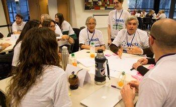 La hackathon Genera unió a aproximadamente 100 personas