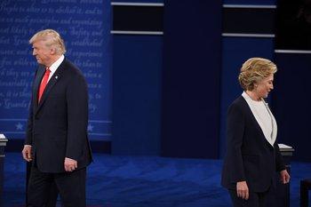 Trump y Clinton ocupan sus puestos en St. Louis para el segundo debate