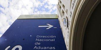 Resultado de imagen para Aduanas una licencia expedida por la Dirección de Industrias, uruguay