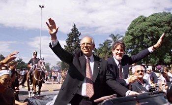 Luego de prestar juramento como presidente de la República Jorge Batlle en compañía del vicepresidente Luis Hierro López