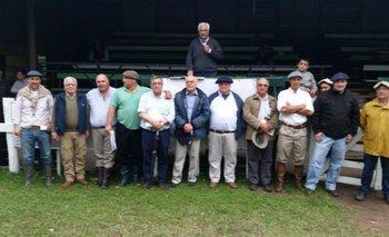 Integrantes de las cabañas y del escritorio este miércoles en Guichón<br>