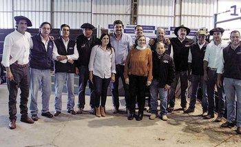 La familia Duarte junto al equipo del escritorio Valdez y Cía