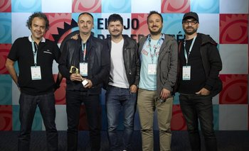 De Corporación Thompson, premiada como mejor agencia uruguaya en El Ojo local: Marcelo Ceruzzi, Andrés Techera, Manuel Amorín, Mauricio Lorenzo y Claudio Badano<br>