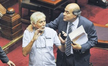El diputado Pablo Abdala lleva hoy la carpeta con las denuncias al Parlamento