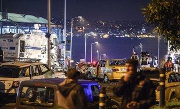 Un coche bomba estalló cerca de un estadio de fútbol en Estambul