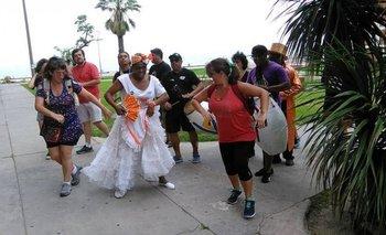 El candombe no falta en el paseo por el barrio Sur