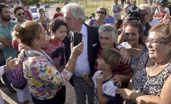 El presidente Tabaré Vázquez visitó Dolores y dijo que está mejor que antes del temporal