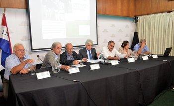 Horacio Rodríguez, Álvaro Ambrois, Ricardo De Izaguirre, Tabaré Aguerre, Carlos Colacce, Mariana Hill y José Olascuaga.<br>