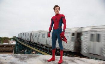 Tom Holland como Spider-Man<br>
