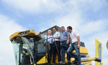 Ministro Aguerre, Lago, Furtado Méndez y Furtado Segovia, al inaugurarse la cosecha arrocera