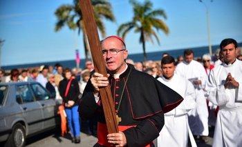 Sturla encabezó Vía Crucis junto con la Iglesia Anglicana