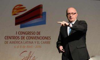 <b>Arnaldo Nardone en el primer Congreso de Centro de Convenciones en Salta (Argentina) </b>