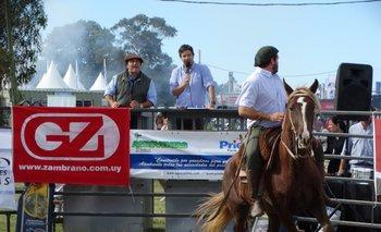 Martín Sarries y Alejandro Zambrano durante el remate de los Criollos de Dos Querencias<br>